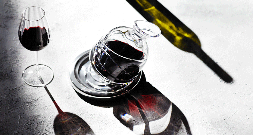 Decanter light reflections
